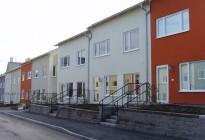 Fönsterbyte till framtidens underhållsfria PVC-fönster på olika radhus i Stockholmstrakten.